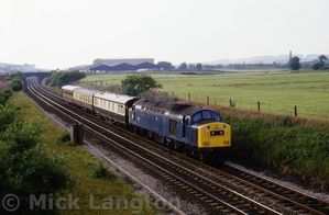 40150_hauling_1Z36_charter_from_Glasgow_to_Man_Vic_19_07_1984.jpg